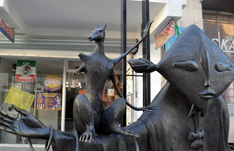 Mutilan escultura de Leonora Carrington