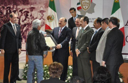 Reconocen al ceramista Juan Quezada Celado como Chihuahuense Distinguido