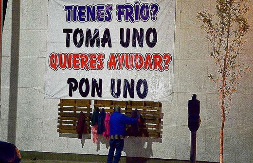Campaña en Delicias  ¿tienes frío  toma un suéter  d86c30d7698