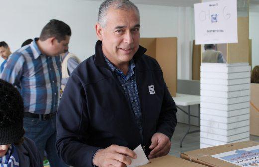 Gana Juan Blanco la candidatura a diputado federal en el sexto distrito por 8 votos