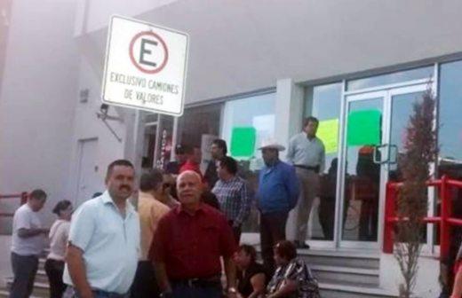 Toman organizaciones sociales las sucursales de banco for Sucursales banco santander valladolid