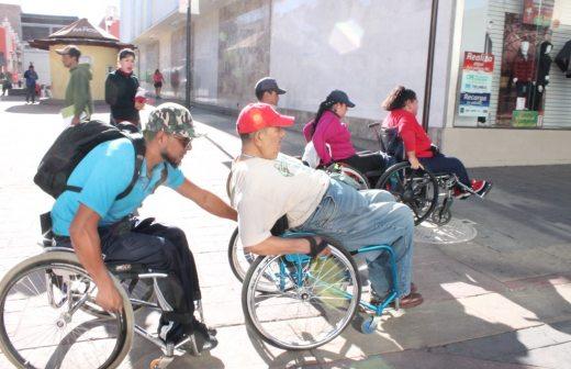 Recorre vida independiente la l ber en silla de ruedas for Sillas para viejitos