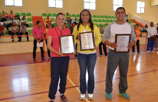 Premian a maestros ganadores de concurso regional de for Concurso para maestros