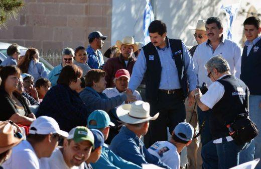 Promete Javier Corral instalar bandera de la paz en Bachíniva