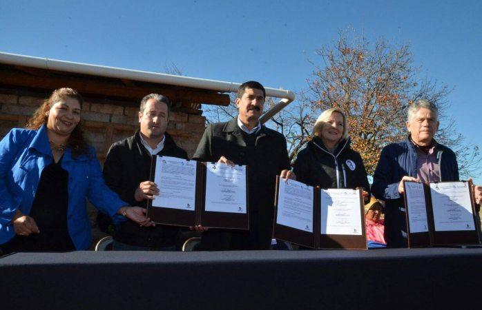 Firman convenio Corral, JCAS y AC para captar más agua