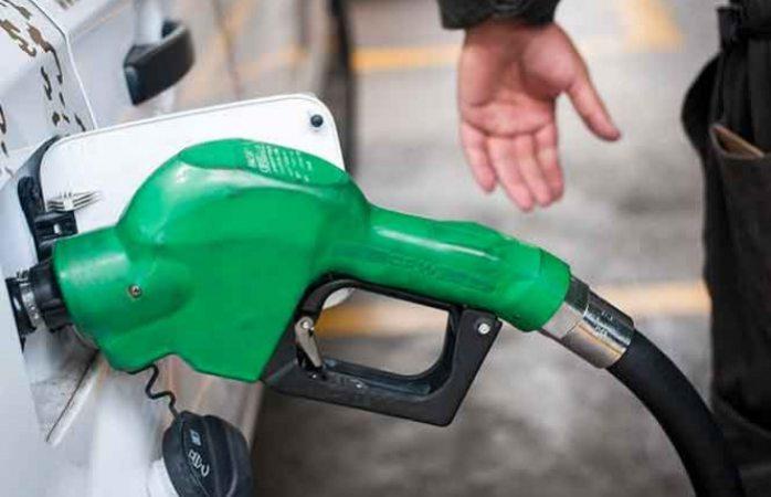 ¡Qué no te agarren en curva! Prepárate para los gasolinazos de 2017