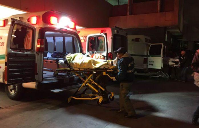 Choque de tráiler y camioneta deja tres mujeres y tres menores lesionados