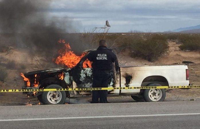 Dejan cuerpo calcinado en carretera a Casas Grandes