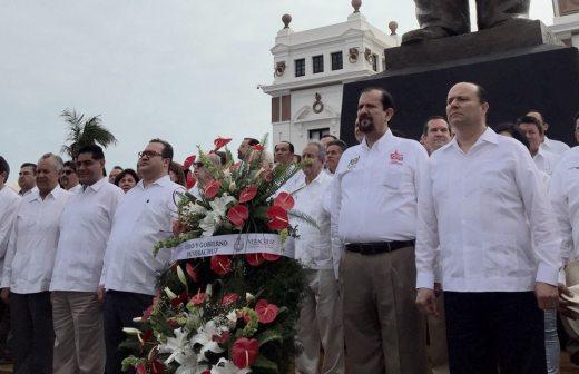 Asiste Duarte a conmemoración de la promulgación de la ley agraria en Veracruz