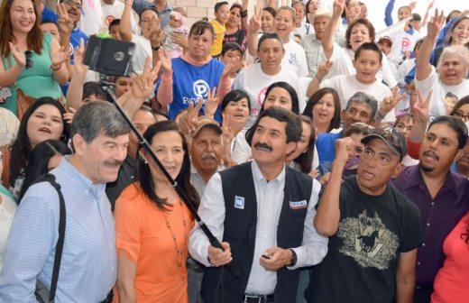 Se une el coordinador de José Luis Barraza en Janos a campaña de Corral