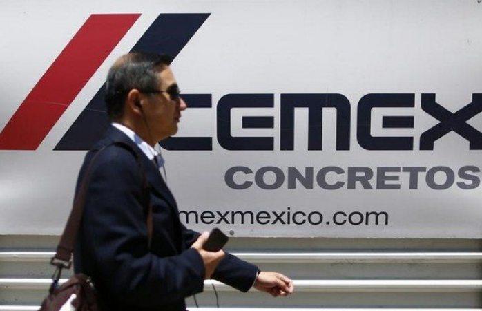 Cementera mexicana podría vender material para el muro de Trump