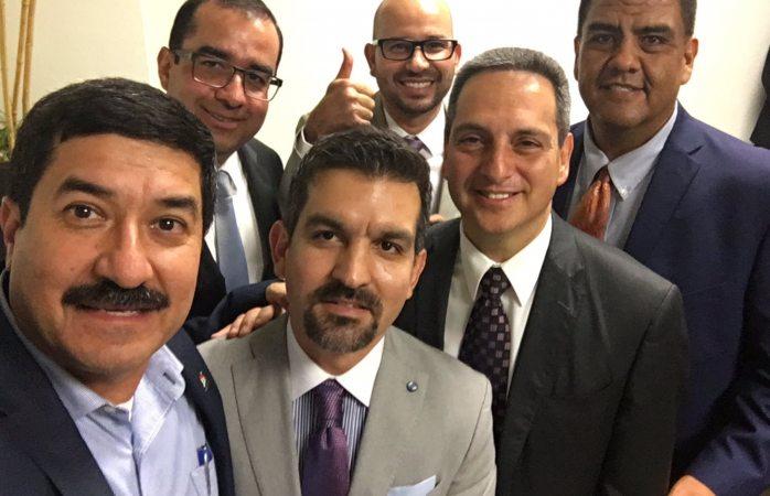 Comparte Corral selfie con los nuevos fiscales | La Opción ... - photo#48