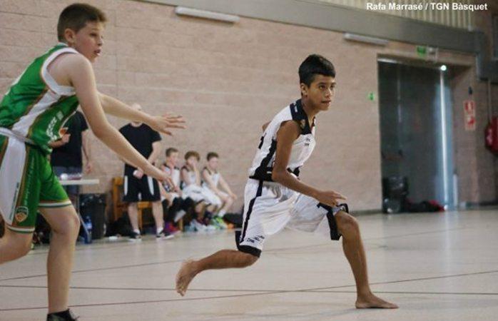 Triunfa niño triqui en España y es nominado al mejor jugador