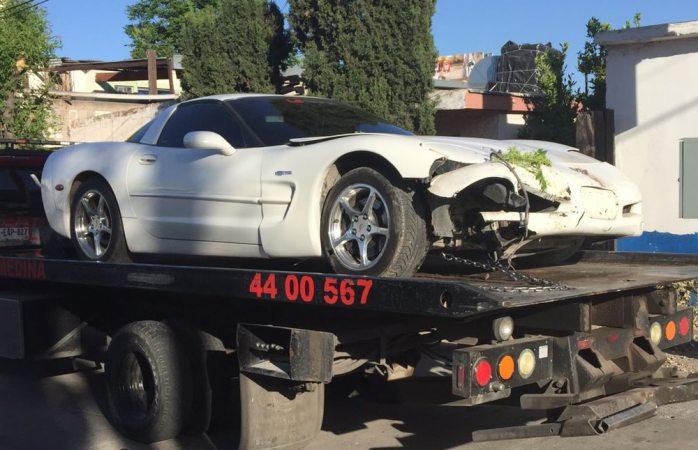 Choca su Corvette por ir a exceso de velocidad