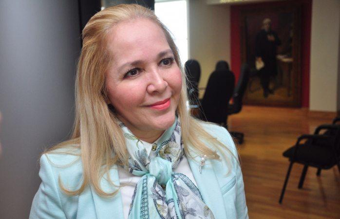 Consigue Adriana Fuentes 13 mdp para construcción de gimnasio en Juárez
