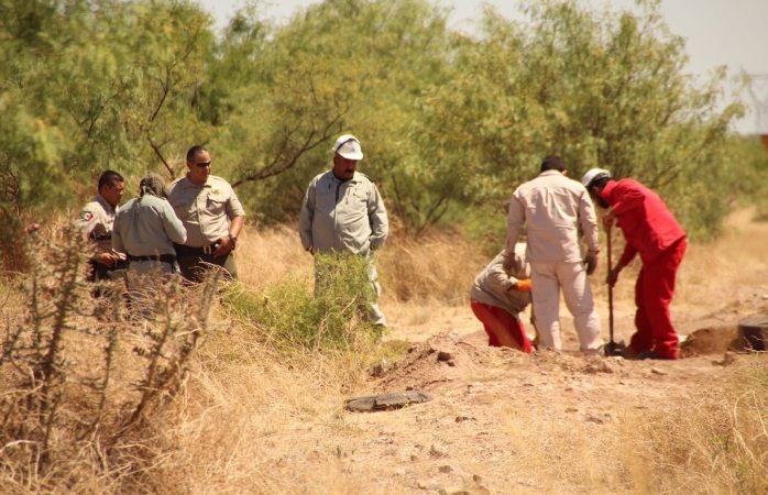 Detectan dos tomas clandestinas en brecha por la carretera a Delicias