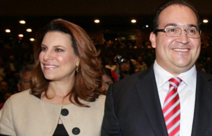 Viajan a Londres esposa e hijos de Javier Duarte