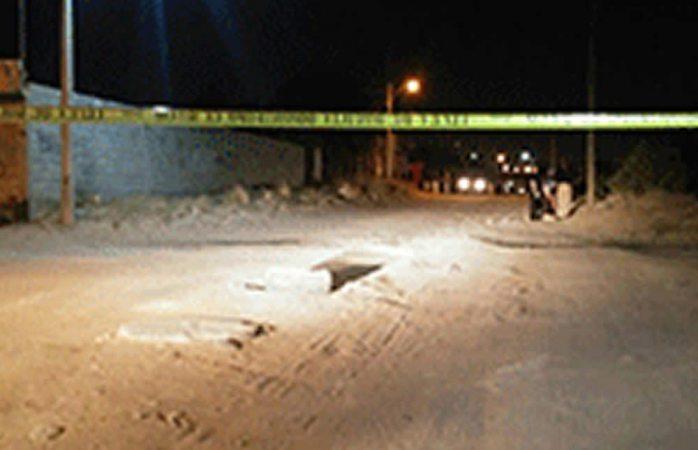 Ejecutan a balazos a joven en la madrugada en Juárez