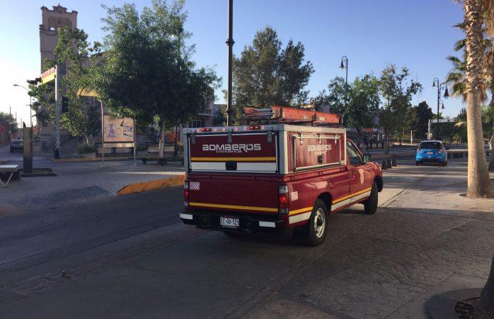 Acuden bomberos a la Bolívar y Segunda por fuerte olor a gas