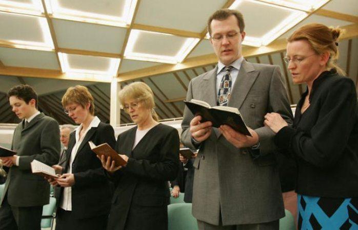 Declaran ilegales a los testigos de Jehová en Rusia
