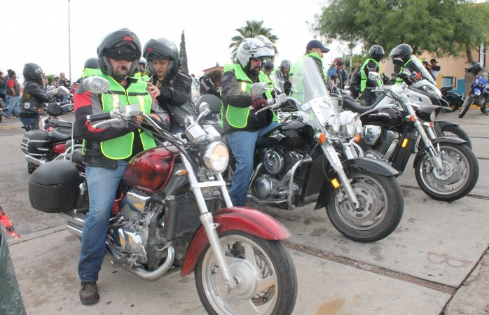 Arrancan cientos de motociclistas hacia Aquiles Serdán Biker