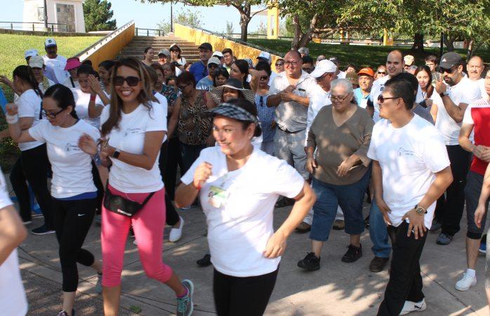 Realizan caminata juntos por la diabetes en El Palomar
