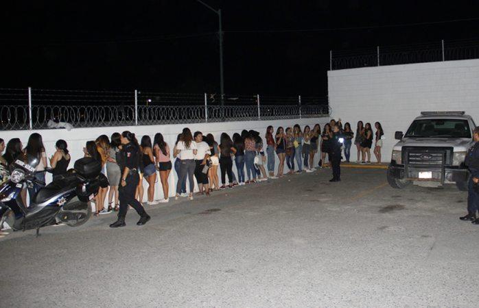 Aseguran a 76 jóvenes ebrios en rave de Ciudad Juárez