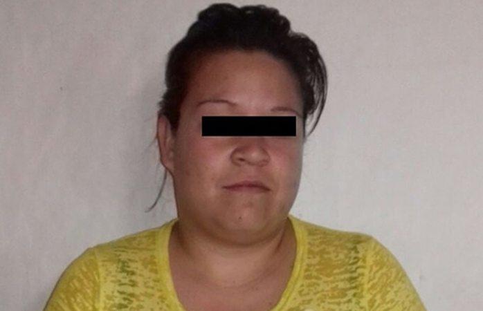 Detienen a mujer por apagar cigarro en su bebé de 10 meses