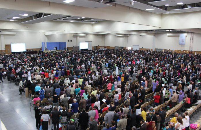 Arranca asamblea de testigos de Jehová con 7 mil asistentes