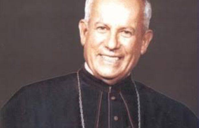 Busca arquidiócesis canonizar a don Adalberto Almeida