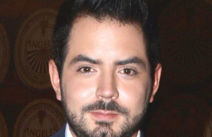Hijo De Eugenio Y Victoria Ruffo Renta Vestidos Para