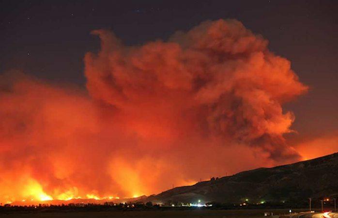 Deja un muerto nuevo incendio forestal en California