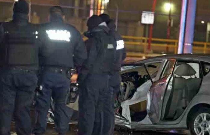 Muere agente municipal en Juárez al chocar contra semáforo