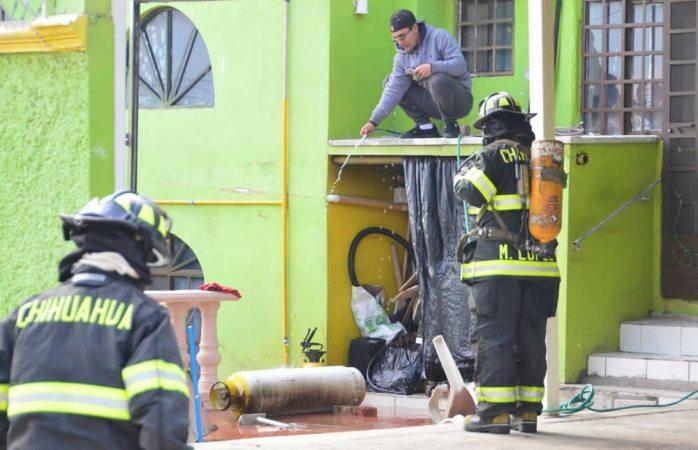 Se incendia tanque de gas en casa de la colonia Praderas del Sur