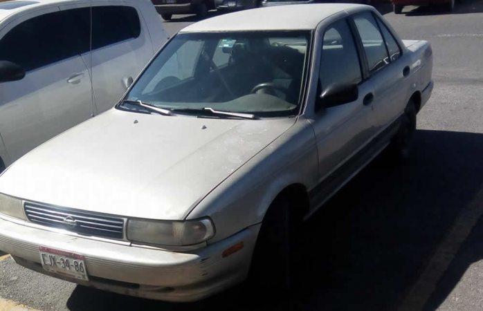 Piden ayuda para localizar auto robado en Villa Juárez