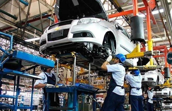 Baja 4.8% exportación de autopartes en México en 2017