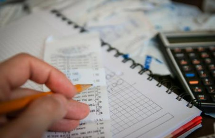 Finanzas públicas registran superávit