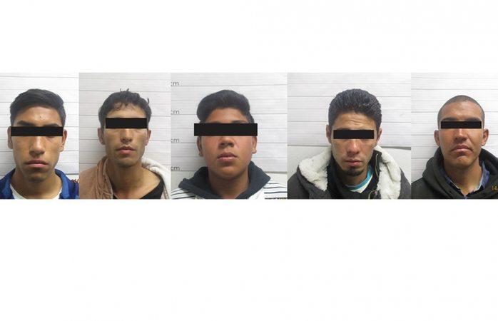 Arrestan banda que asalta transeúntes