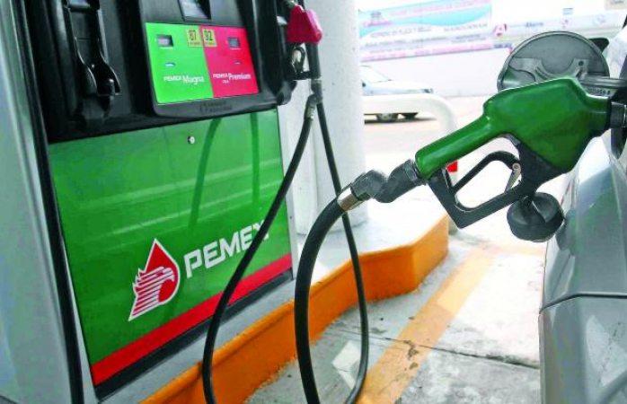 Hacienda cocina congelar precios de las gasolinas