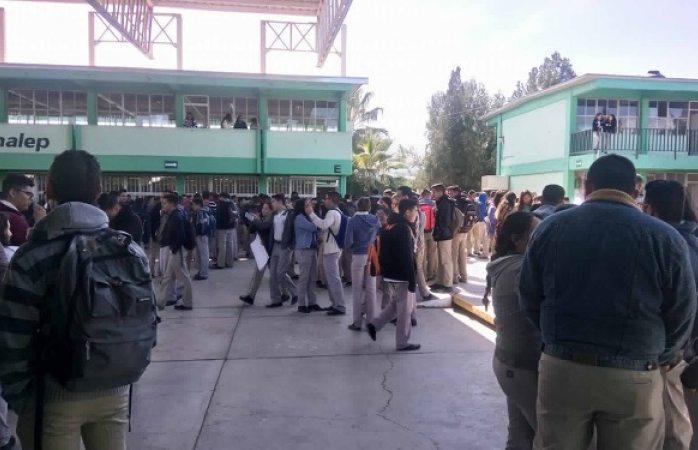 Hacen huelga alumnos del Conalep II en apoyo a subdirector cesado