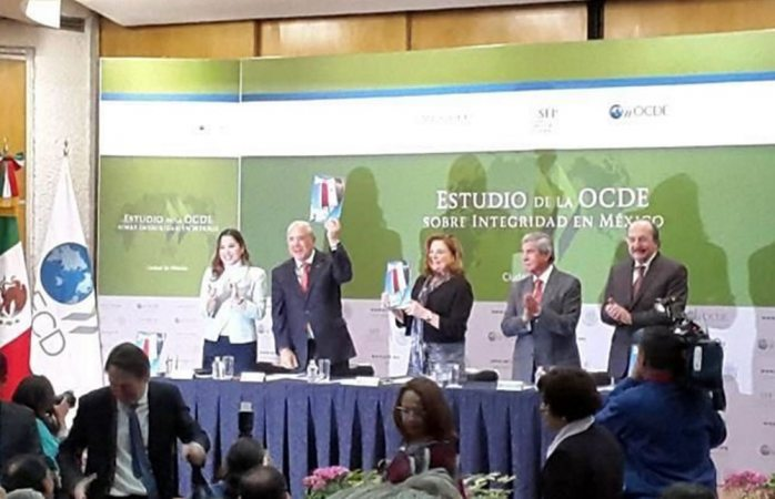 Debilidad da lugar a corrupción: José Ángel Gurría
