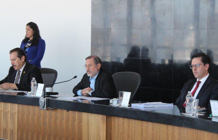 Ratifican a jueza por mandato de amparo después de correrla hace cuatro años