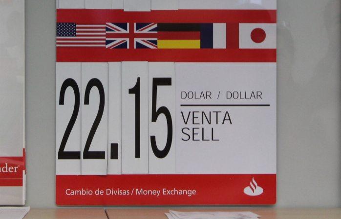 Ofrecen de manera variada tipo de cambio en bancos la opci 243 n de