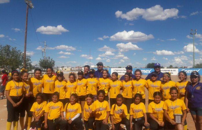 Se queda Chihuahua con 2do y 3er lugar en estatal de Softbol