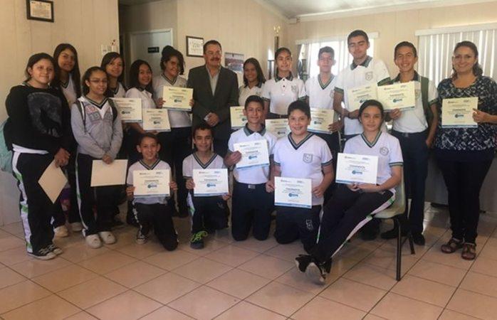 Entrega Municipio premios a primeros lugares de la Feria del Reciclaje