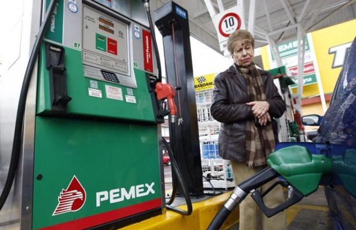Gasolina Premium cuesta 18.02 pesos por litro este martes