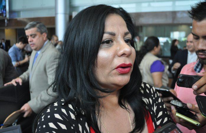 Respeto decisión de cambiar de partido: Karina