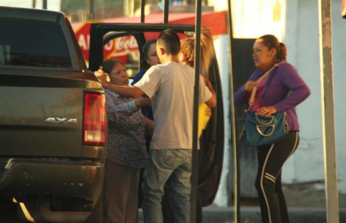 Tras persecución a balazos, detienen a dos narcomenudistas