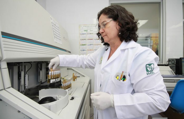 Desarrolla Imss tres mil investigaciones para atender principales enfermedades