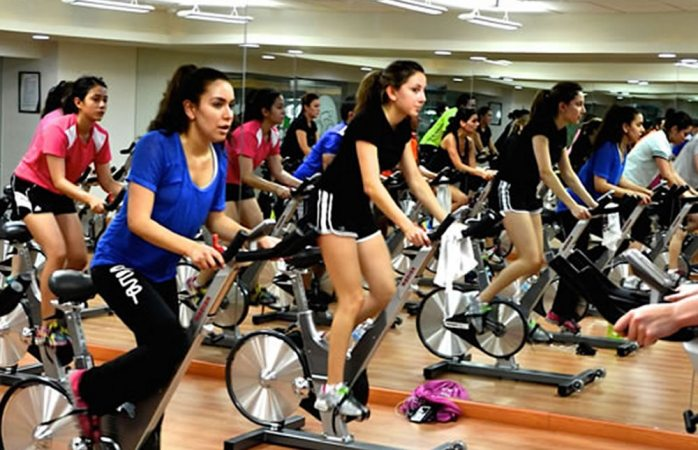 Invita imss a inscribirse a clases de spinning la opci n for Clases de spinning